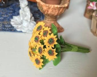 Miniature Sunflowers, 12 Stem Bunch, Dollhouse Miniature, 1:12 Scale Dollhouse Flowers, Garden Decor, Miniature Flowers, Mini Sunflowers