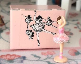 Miniature Ballet Box and Ballerina Figurine, Dollhouse Miniatures, 1:12 Scale, Style 2, Dollhouse Decor, Miniature Accessories, Mini Ballet