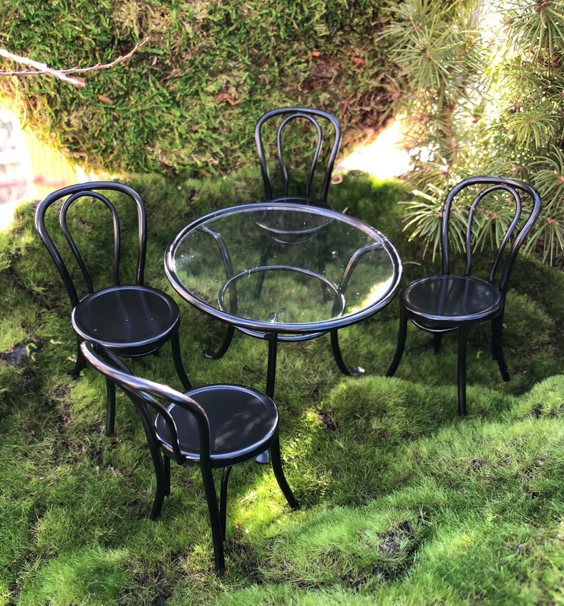 Astonishing Miniature Patio Table And Chairs Black Table Clear Top 4 Chairs Metal Table And Chairs Dollhouse Miniature Furniture 1 12 Scale Download Free Architecture Designs Scobabritishbridgeorg