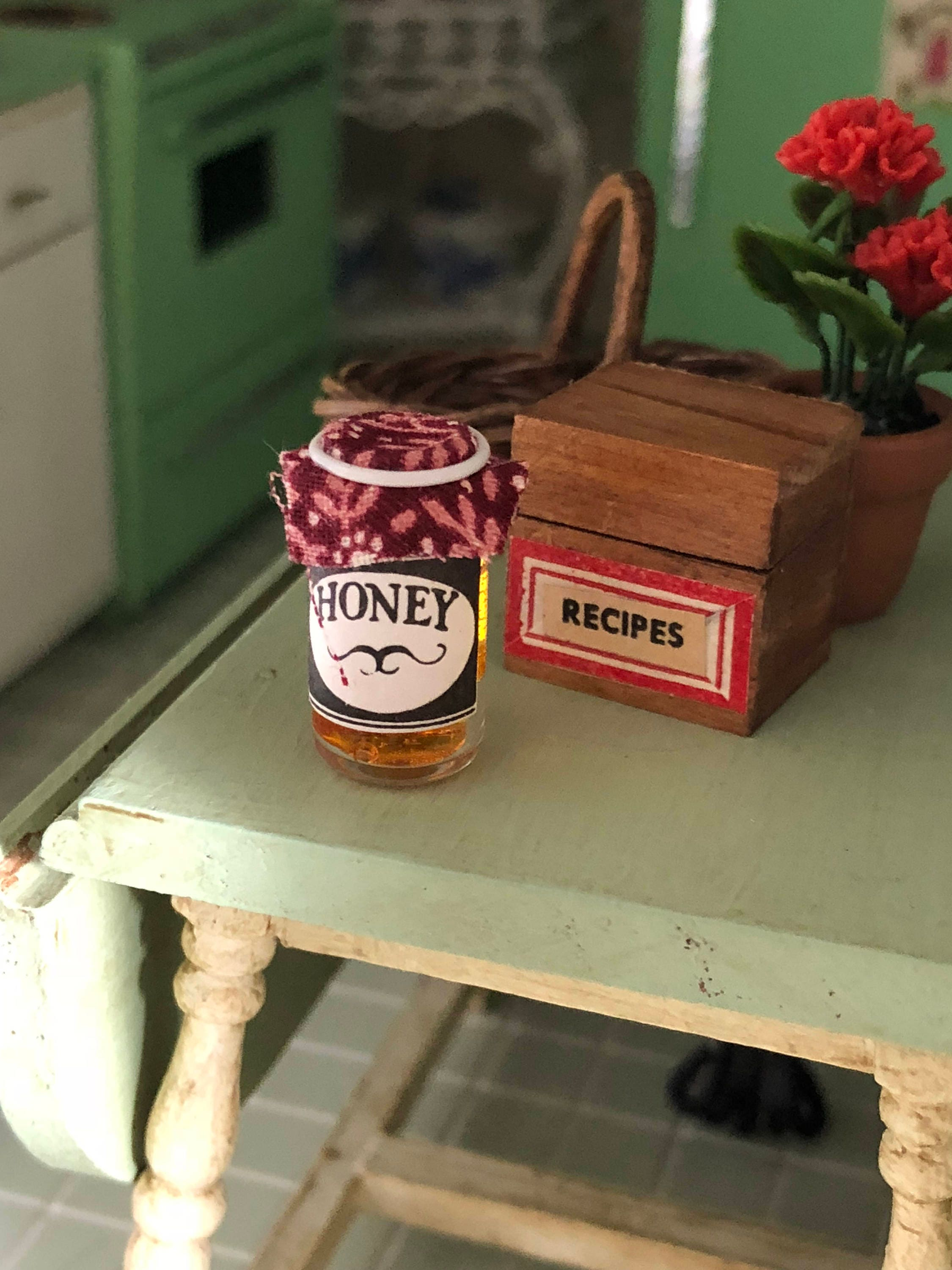 Miniature Honey Canned Honey Jar Dollhouse Miniature