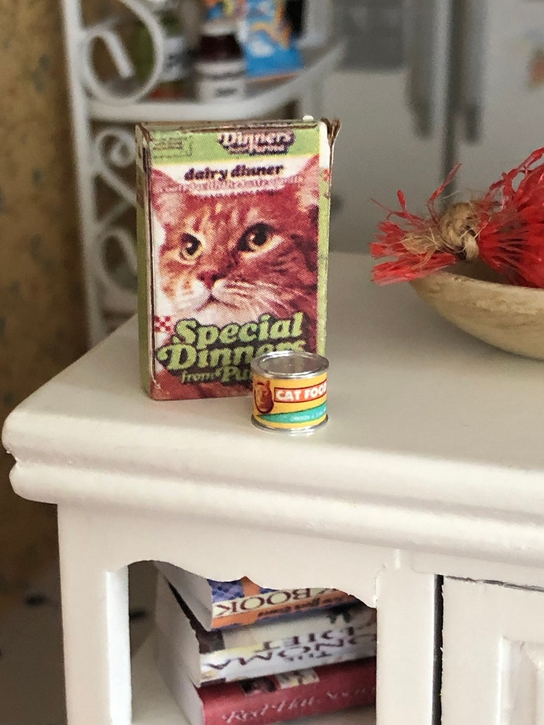 "Dollhouse Miniature 1:12 Box of /""Special Dinners/"" Cat Food"