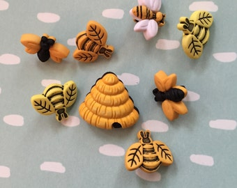 """Bee Buttons, Packaged Novelty Button Assortment, """"Buzzin Around"""" Style 4253 by Buttons Galore, Package Includes Bees and Hives"""