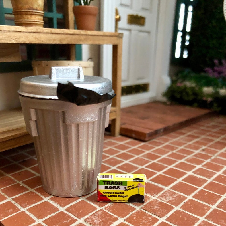 Dollhouse Miniature Trash Can with Garbage 1:12 Scale