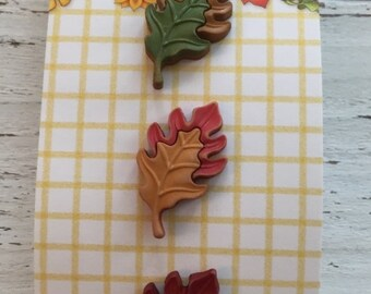 """SALE Leaf Buttons, Carded Set of 3 by Buttons Galore """"Oak Leaves"""" Style FA120 Fall Friends Collection, Fall Leaf Buttons, Shank Back Buttons"""