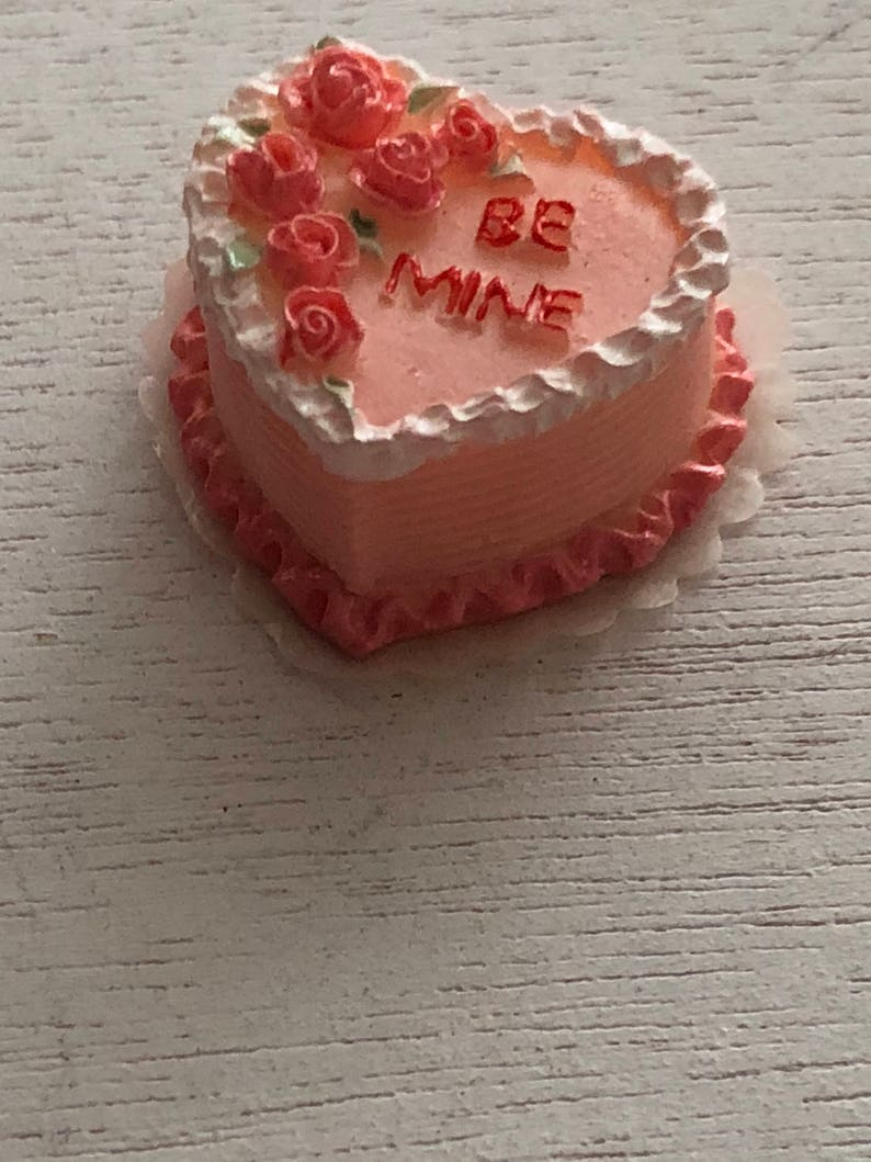 BE ME Heart Cake Rose Top Dollhouse Miniatures Food Bakery Valentine Day