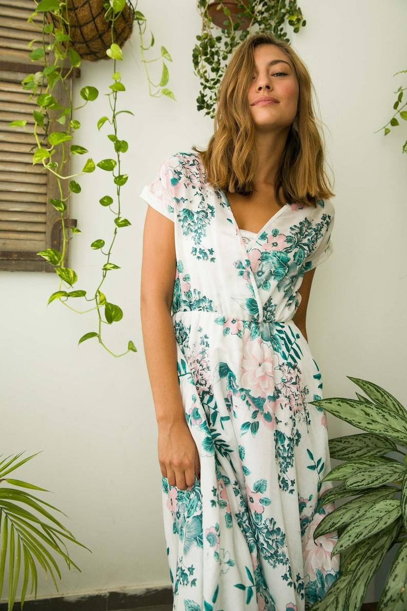 46f13e4abf6 Floral short sleeve wrap dress in mint green and pink