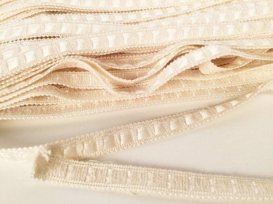 Vintage des années 50 Crème robe Satin et tissé en coton, garniture, garniture de robe Crème de mariage, ruban W3/8», 31 + Y, couture artisanale ou galons d'ameublement et embellissements 7144c2