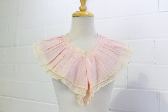 Vintage 1930s Pink Wide Ruffle Jabot Collar, Vinta