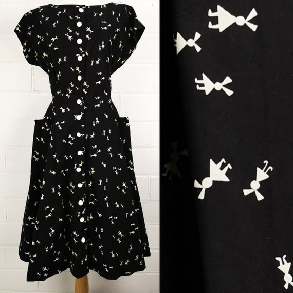 Vintage 50s Plus Size Novelty Print Black & White Cotton Button Front Day  Dress with Scoop Neck and Pockets, B40, W32, Tumbling Children