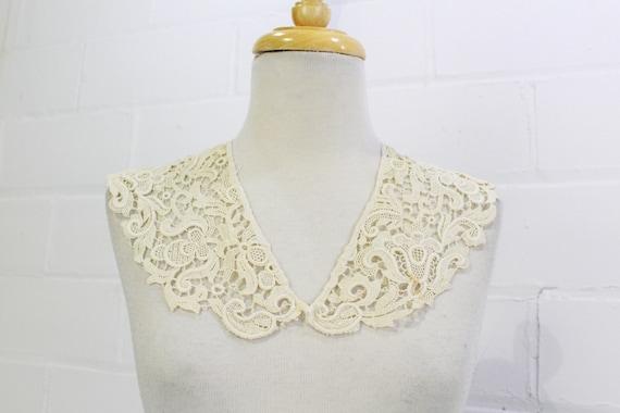 Antique Edwardian Floral Lace Detachable Collar, A