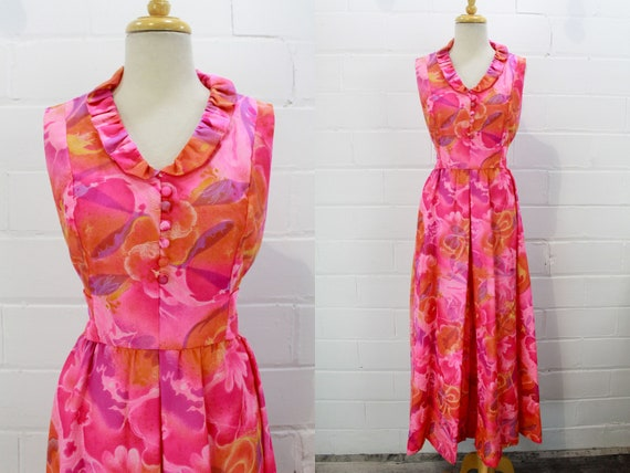 Vintage Early 1970s Psychedelic Hot Pink Floral Pr