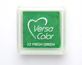 Ink Pad VersaColor Mini Fresh Green No. 22, artist ink pad, water-based, pigment ink, embossing ink pad, green ink pad