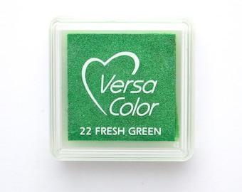 Ink Pad VersaColor Mini Fresh Green No. 22, artist ink pad, water-based, pigment ink, embossing ink pad, green ink pad