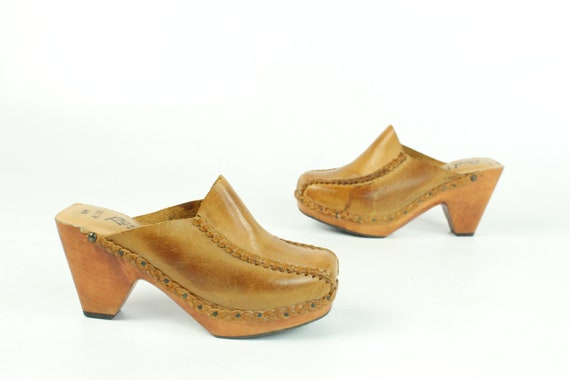 70's Leather Clogs Size 8 Vintage 1970's