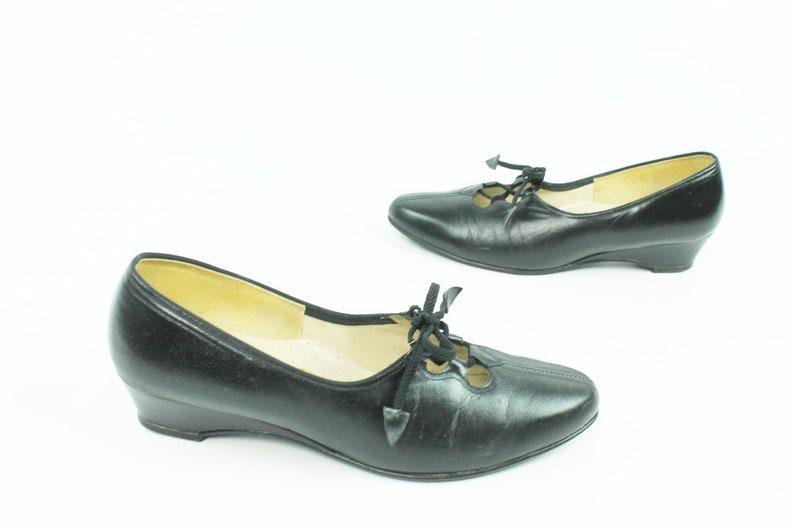 0cf403aa9d2 60s Ballet Flats Black Leather Lace Up Shoes Wedge Pumps Heels Vintage  1960s Womens Size 8 Johansen