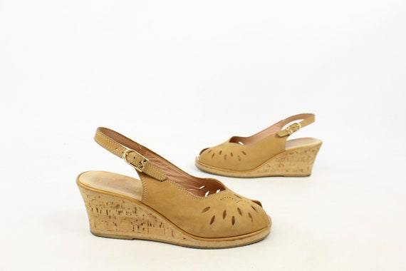 Vintage 70's Tan Leather Wedge Sandels 1970's Size