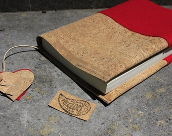 Red  journal cover made of 100% felted wool (burel) and cork fabric, made in Portugal, book cover, eco-friendly Christmas gift for her