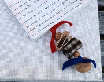 Original bookmark with cork fabric, cork beads and burel (Portuguese boil wool) page holder, book accessories, Portugal in small pieces