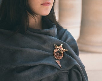 Dragon eye order brooch, Golden Crown jewellery, Statement animal medieval brooch, Porcelain beaded embroidery, fantasy dragon scale,
