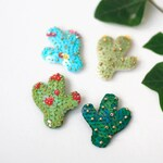 Cactus Sequin Brooch, Green Sequin Cacti, Felt Bead Embroidery, Nature Botanical Jewelry, Desert Wild Plant, Modern Bright Pin
