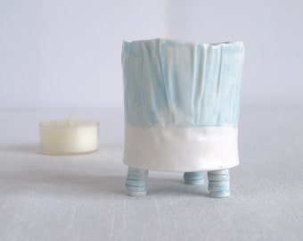 Porcelain votive, three feet, RUCHED No9, blue