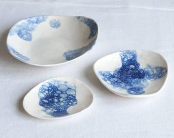 Zen PEBBLE bowls, ceramic porcelain stoneware, blue bubble glaze