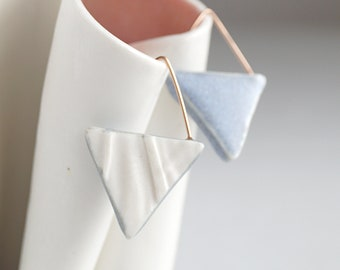 Geometric triangle earrings, porcelain rose gold RUCHED No16, grey