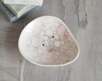 PEBBLE soap dish, white porcelain with pink and grey bubbles