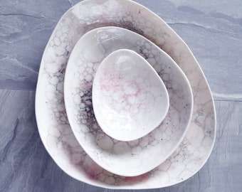 Ceramic pebble bowl set, white porcelain, pink grey bubble glaze