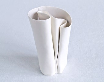 Freeform porcelain vase UNFOLDING No6, grey