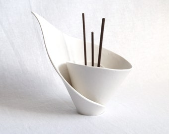 Incense holder spiral white porcelain lily, very zen
