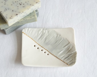 RUCHED No6 porcelain ceramic soap dish with holes, grey white gold lustre