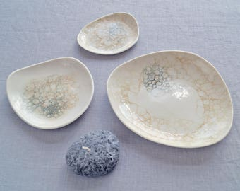 PEBBLE bowls, peach and grey bubbles