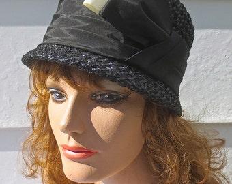 1552f75f25f Vintage 1960 s MAXINE HATS Designer Black Straw Hat w Jaunty Ribbon Bow    Band