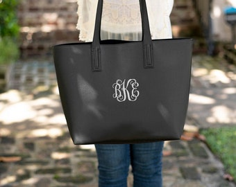Carly Purse   Monogrammed Tote   Embroidered Purse