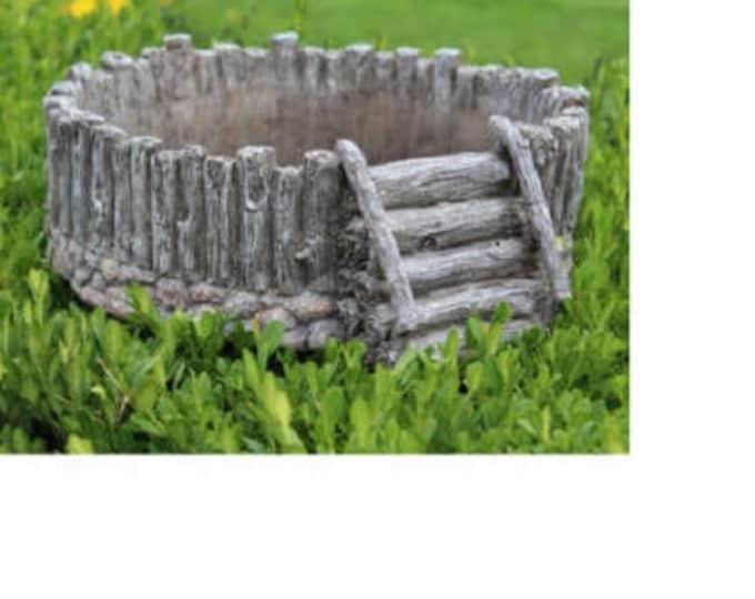 """Split Log Planter (12.5"""" Diameter)"""