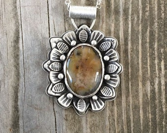Plume Agate Necklace in Fine Silver. NC57