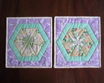 "Quilted Mug Rug ""Lavender & Green"" Set of 2, Fabric Trivet, Quiltsy Team, Hexagonal Floral Design, Snack Mat, Small Placemat"
