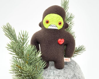 Travel adventure monster friend! Mini sasquatch plush - brown & bright green