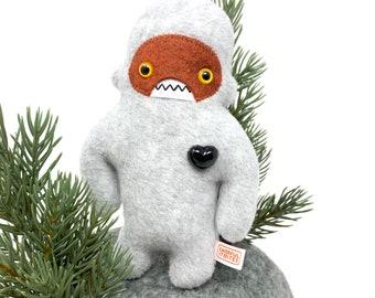 Travel adventure monster friend! Mini yeti plush - lt grey & rust
