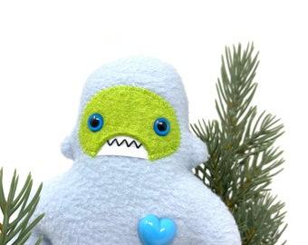 Travel adventure monster friend! Mini yeti plush - light blue & lime