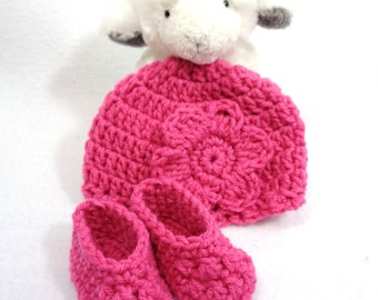Newborn Pink Hat and Booties, Home for the Hospital Crochet Set for Baby Girl, Baby Shower Gift, Pink Cap and Slippers for New Baby