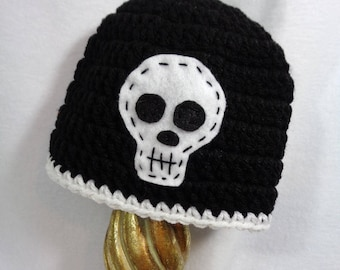 Black Skull Stocking Cap, Crochet MADE TO ORDER Halloween Hat, Baby Photo Prop, Simple Baby Hat with White Skull, Gift for Newborn