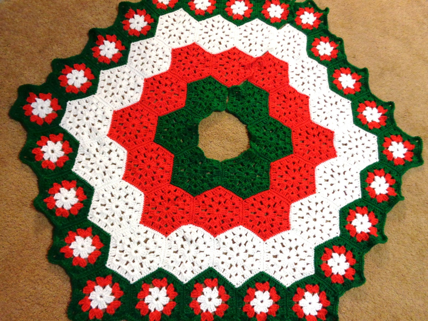 Christmas Tree Skirt In Red White And Green Traditional Etsy