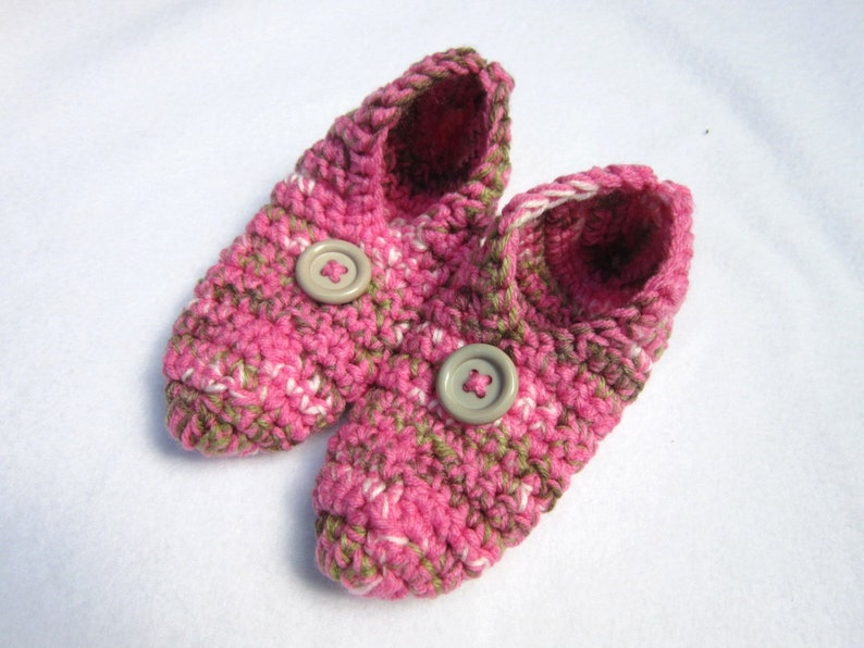 Womens Slippers in Pink Tan and White  Size Small Womens Pink image 0