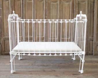 Antiek Look Bed.Iron Bed Etsy