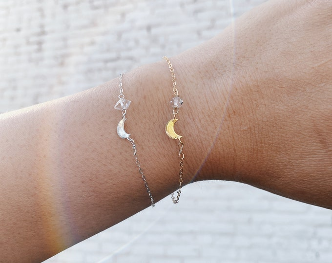 Crescent Moon Bracelet - Silver or Gold