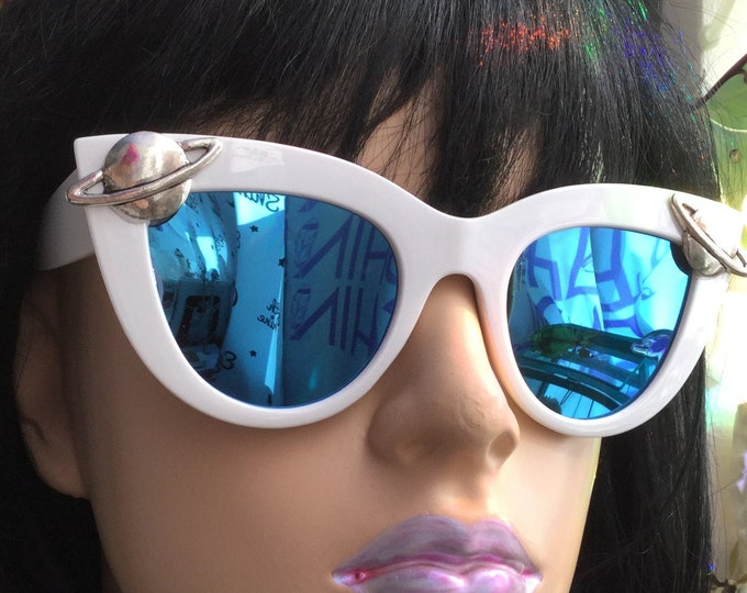 Saturn Space girl Sunglasses, white with blue mirror, cat eye oversize shades