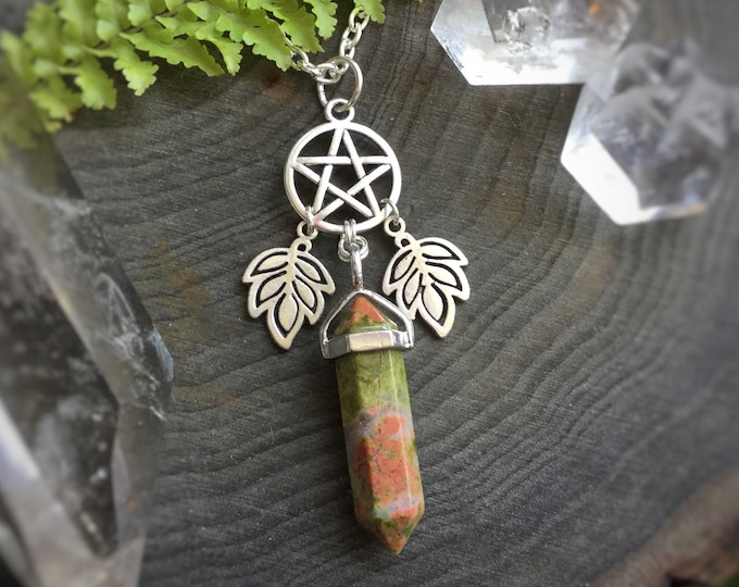 Earth Witch, Crystal Pentacle necklace with leaves, YOUR CHOICE of Stone, Amethyst, Opalite, Rose Quartz, Obsidian, you choose