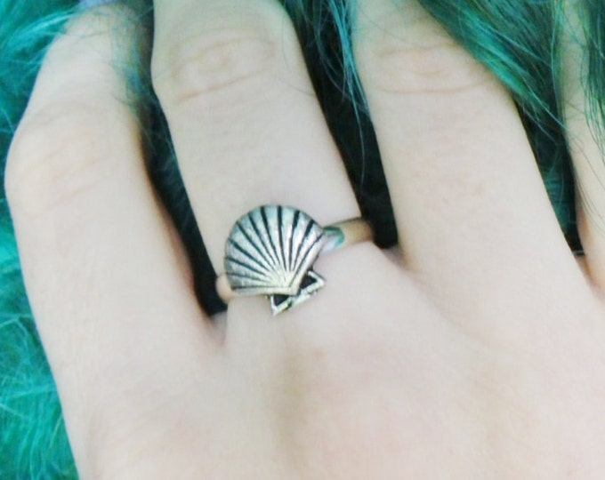 Mermaid Seashell ring, sea shell, adjustable, fits sizes 6-7-8